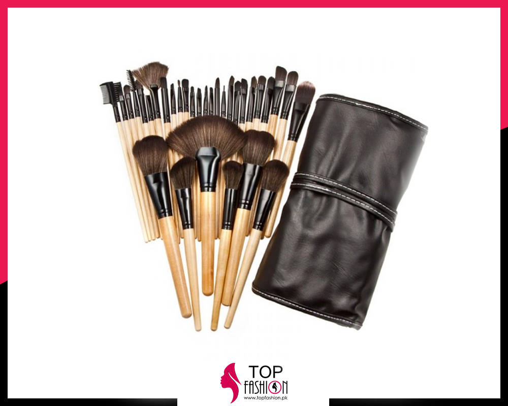 Bobbi Brown 32 Piece Brush Set